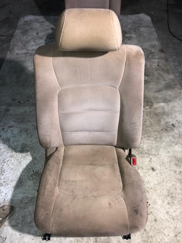 Сиденье Toyota Land Cruiser HDJ101 1HDFTE 2001.04 переднее правое (б/у)