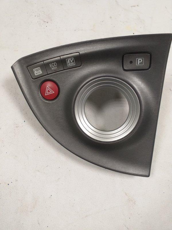 Кнопка аварийной сигнализации Toyota Prius ZVW30 2ZR-FXE 2013 (б/у)