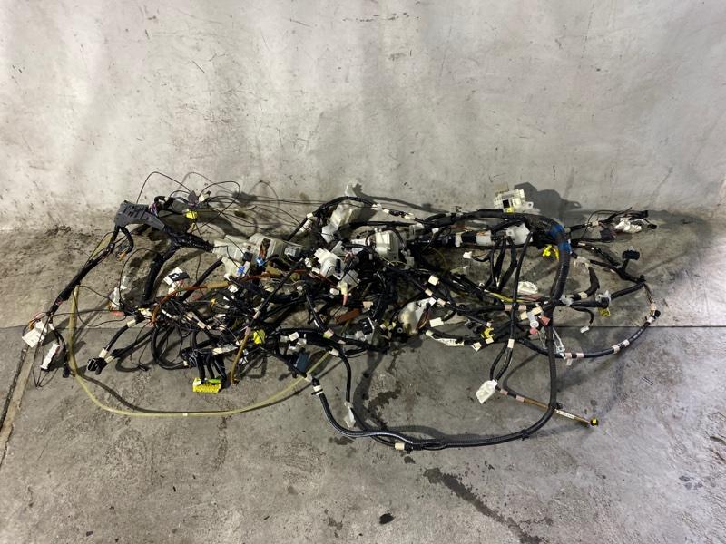 Электропроводка салона Toyota Prius ZVW30 2ZR-FXE 2013 (б/у)