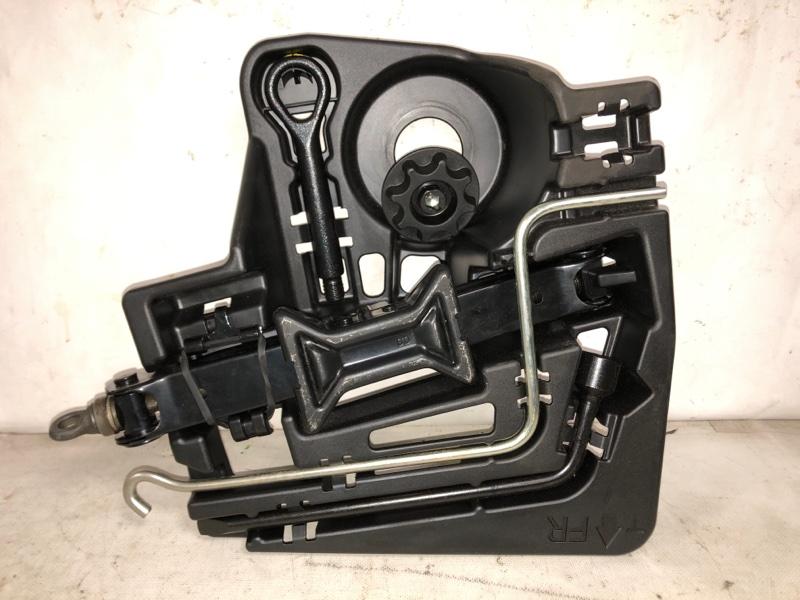 Набор инструмента Toyota Prius ZVW30 2ZR-FXE 2013 (б/у)