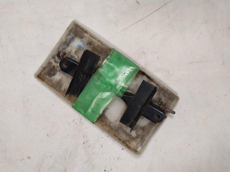 Крепление аккумулятора Toyota Vitz NCP15 (б/у)