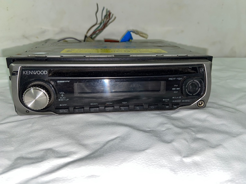 Магнитофон Toyota Hilux Surf KDN185 (б/у)