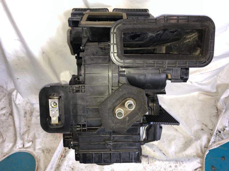 Корпус моторчика печки Nissan Tiida NC11 HR15DE (б/у)