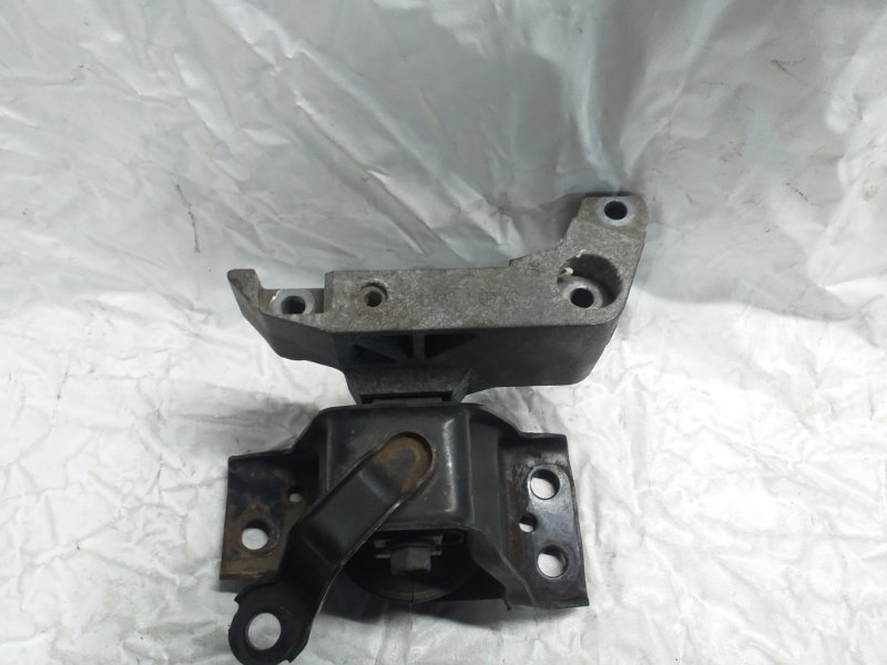 Подушка двигателя Nissan Tiida Latio SNC11 HR15DE передняя правая (б/у)