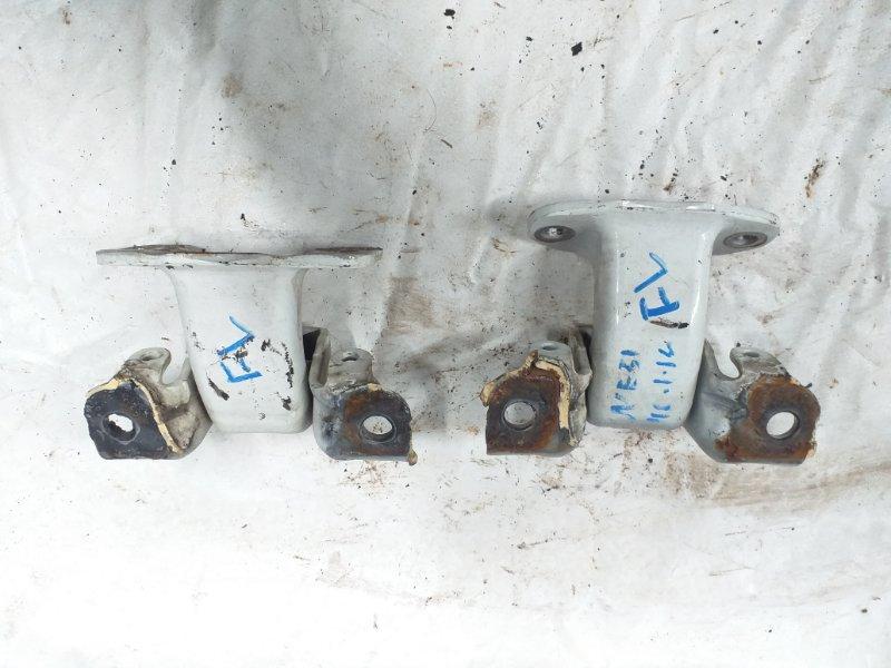 Петли на дверь Nissan Elgrand NE51 VQ35 передние левые (б/у)