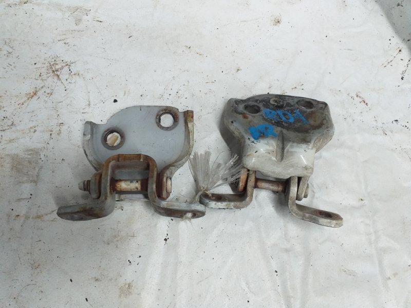 Петли на дверь Honda Cr-V RD1 B20B передние правые (б/у)