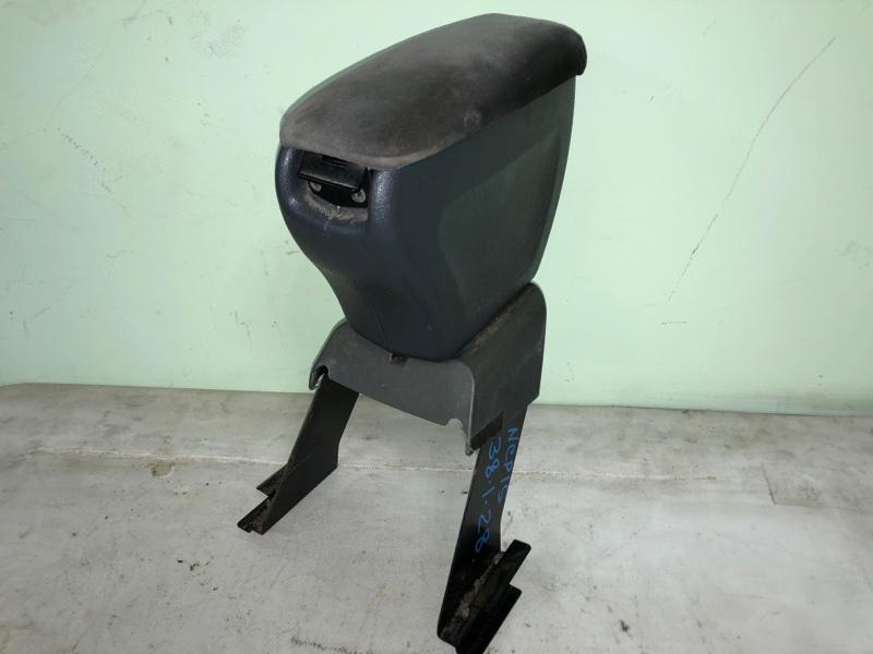 Бардачок между сиденьями Toyota Vitz NCP15 2000.02 (б/у)