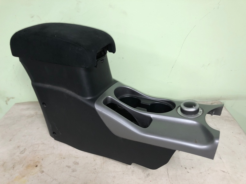 Бардачок между сиденьями Mitsubishi Outlander CW5W 4B12 (б/у)