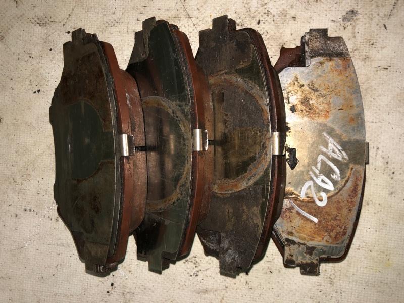 Тормозные колодки Toyota Rav4 ACA21 1AZ-FSE 2000 переднее (б/у)