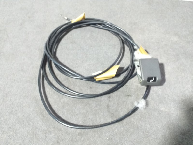 Тросик лючка бака Mitsubishi Pajero V45W 6G74 1997.11 (б/у)