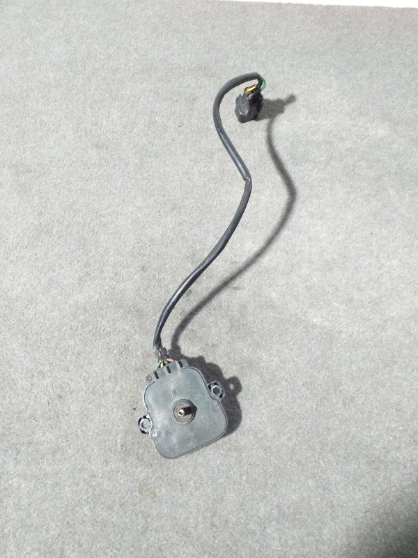 Датчик tems Mitsubishi Pajero V45W 6G74 1997.11 передний левый (б/у)