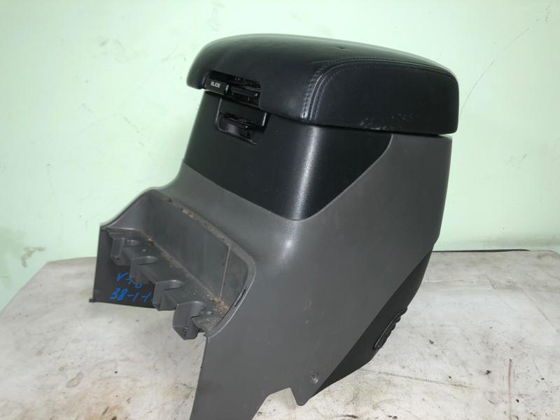 Бардачок между сиденьями Mitsubishi Pajero V78W 4M41 12.1999 (б/у)