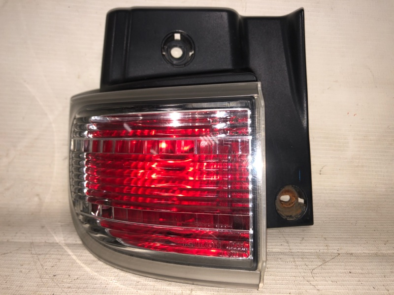 Стоп-сигнал Nissan Elgrand NE51 VQ35 02.2004 задний левый (б/у)
