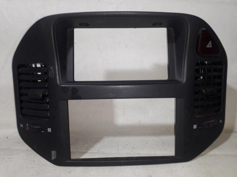 Консоль магнитофона Mitsubishi Pajero V78W 4M41 12.1999 (б/у)