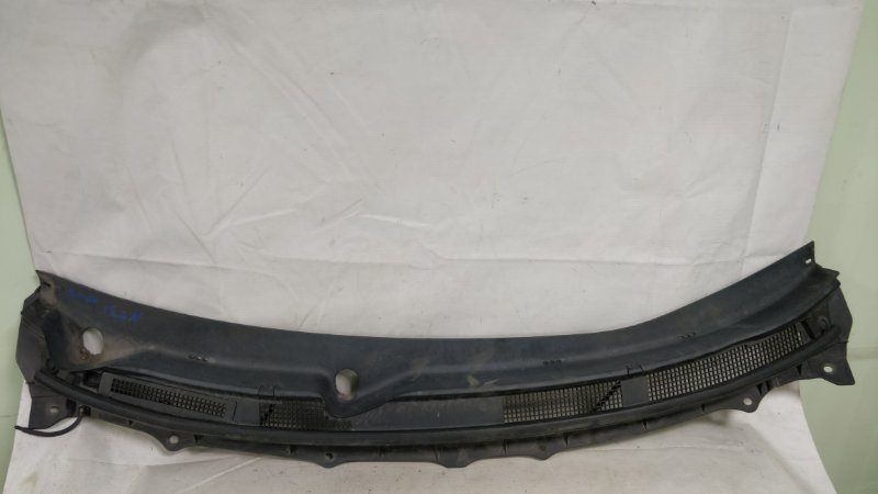 Решетка под лобовое стекло Nissan X-Trail NT31 MR20 (б/у)