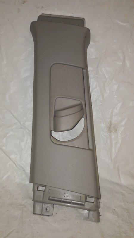 Накладка на стойку кузова Toyota Prius ZVW30 2ZR-FXE 2013.02 левая (б/у)