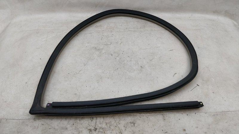 Уплотнение дверное Mitsubishi Pajero V93W 6G72 2009.04 переднее правое (б/у)