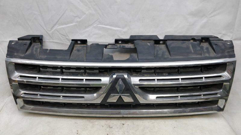 Решетка радиатора Mitsubishi Pajero V93W 6G72 2009.04 (б/у)