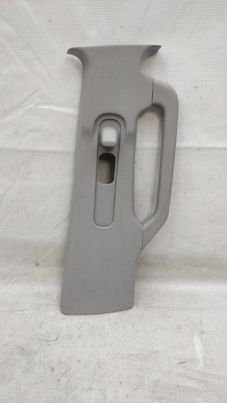 Обшивка стойки кузова Mitsubishi Pajero V93W 6G72 2009.04 правая (б/у)