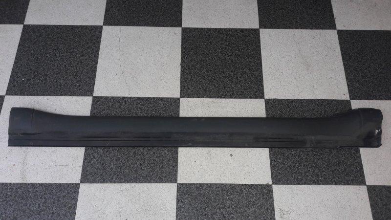 Накладка на порог Mitsubishi Pajero V93W 6G72 2009.04 правая (б/у)