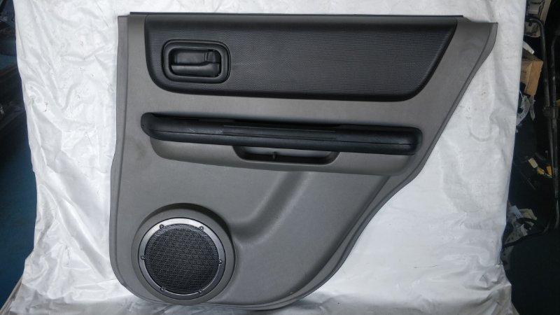 Обшивка дверей Nissan X-Trail NT30 QR20DE задняя правая (б/у)