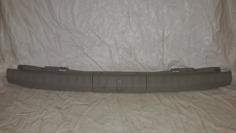 Накладка замка багажника Toyota Prius ZVW30 2ZR-FXE 2013.06 (б/у)