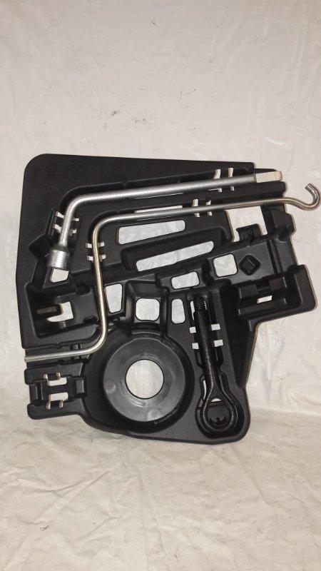 Набор инструмента Toyota Prius ZVW30 2ZR-FXE 2013.06 (б/у)