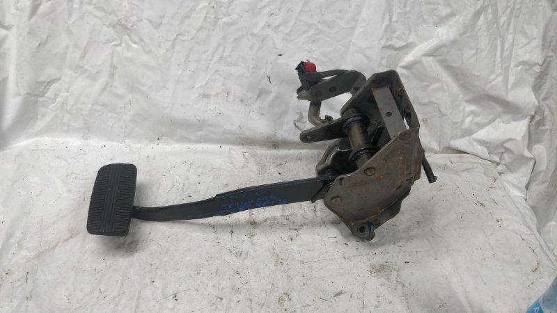Педаль тормоза Nissan Elgrand NE51 (б/у)