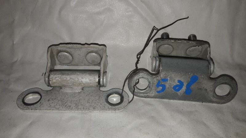 Петля 5-двери Toyota Ipsum SXM15 (б/у)