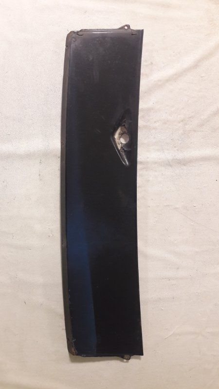 Решетка под лобовое стекло Mercedes-Benz E-Class W123 M115 передняя (б/у)