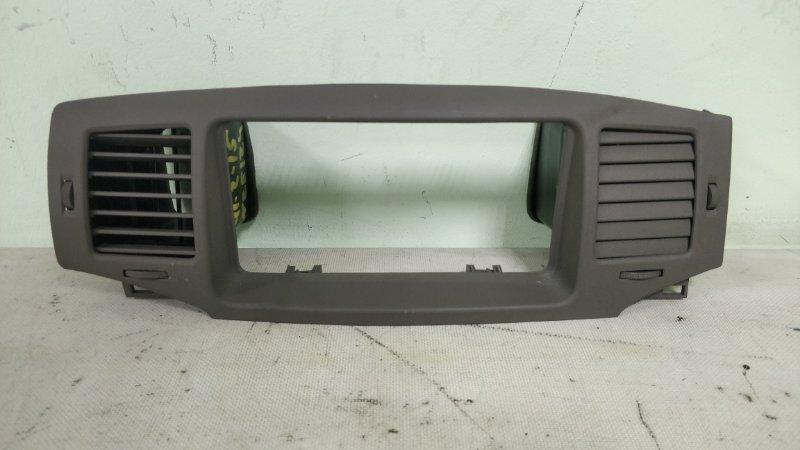 Консоль магнитофона Toyota Corolla NZE124 1NZ-FE 2005 (б/у)
