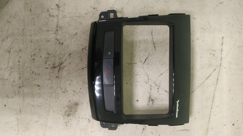 Консоль магнитофона Mitsubishi Outlander CW5W 4B12 (б/у)