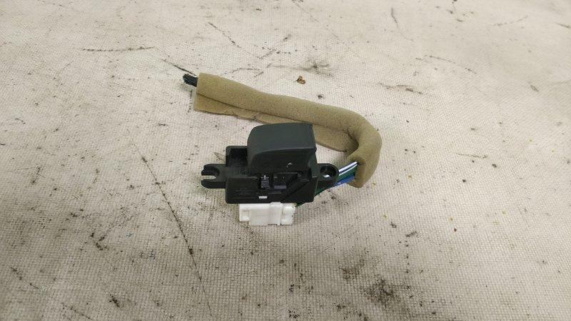Блок управления стеклоподъемниками Nissan Wingroad WHNY11 QG18DE 2003 задний (б/у)