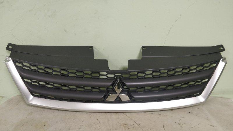 Решетка радиатора Mitsubishi Outlander CW5W 4B12 (б/у)