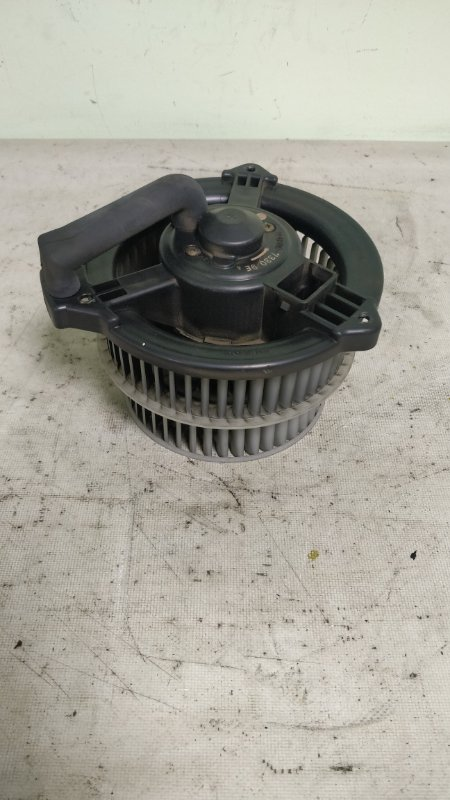 Мотор печки Toyota Noah AZR65 1AZ-FSE (б/у)