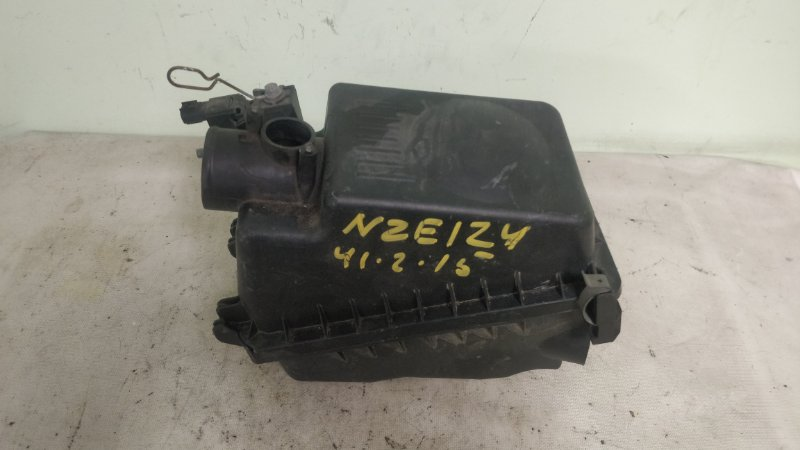 Корпус воздушного фильтра Toyota Corolla NZE124 1NZ-FE (б/у)