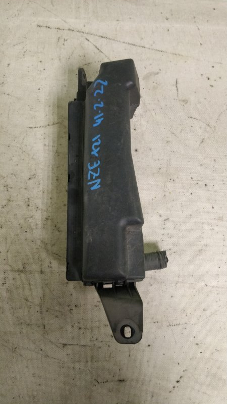 Блок предохранителей Toyota Corolla NZE121 1NZ-FE 2001 (б/у)