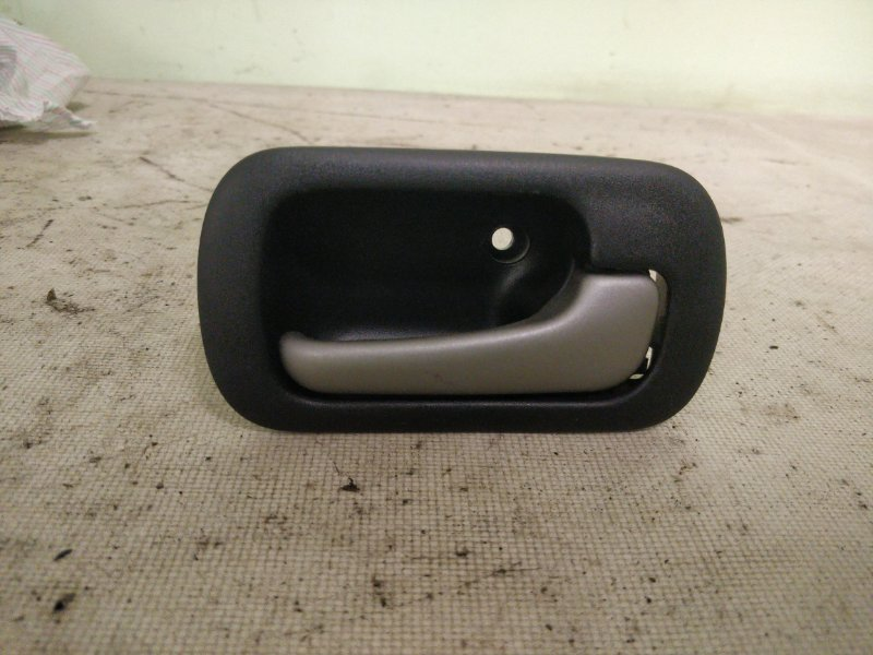 Ручка двери внутренняя Honda Hr-V GH4 D16A 2001 задняя правая (б/у)