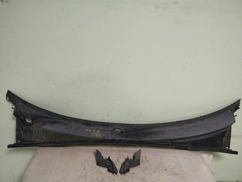 Решетка под лобовое стекло Subaru Forester SG5 (б/у)
