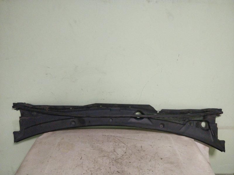 Решетка под лобовое стекло Nissan Wingroad WHNY11 QG18DE 2003 (б/у)