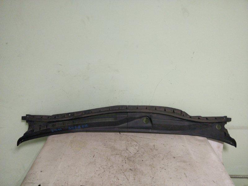 Решетка под лобовое стекло Toyota Allion ZZT245 1ZZ (б/у)