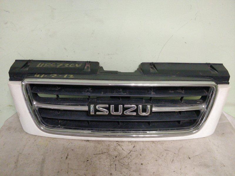 Решетка радиатора Isuzu Bighorn UBS73GW 4JX1 (б/у)