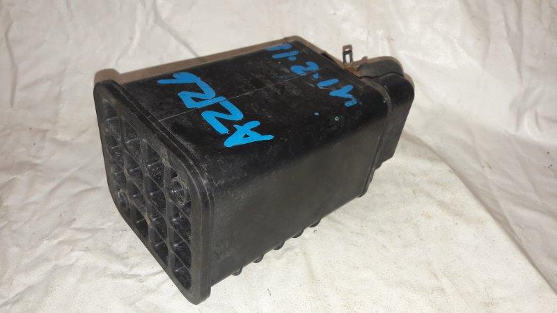 Фильтр паров топлива Toyota Noah AZR65 1AZ-FSE (б/у)