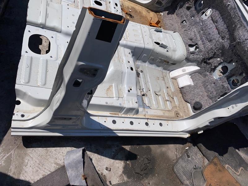 Половина кузова Mitsubishi Pajero V93W 6G72 2009.04 правая (б/у)