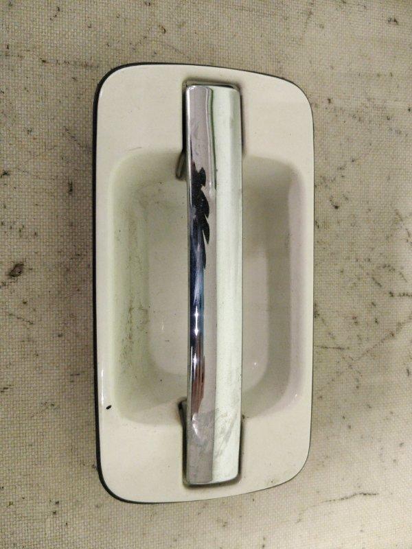 Ручка двери Isuzu Bighorn UBS73GW 4JX1 задняя правая (б/у)