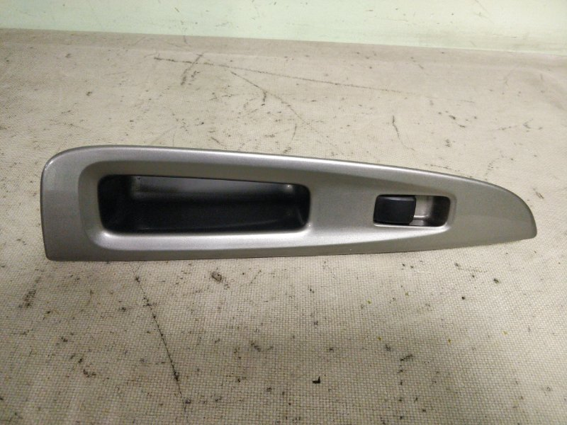 Блок управления стеклоподъемниками Toyota Mark Ii GX115 1G-FE 2001 задний правый (б/у)