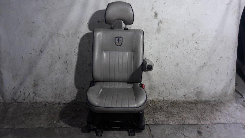 Сиденье Mitsubishi Delica PE8W 4M40 1999.11 переднее правое (б/у)