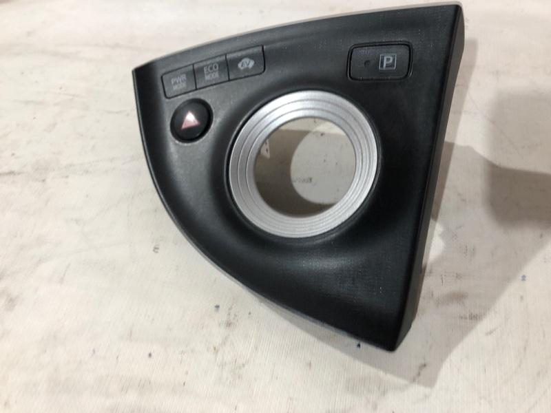 Консоль кпп Toyota Prius ZVW30 2ZRFXE 2010.07 (б/у)
