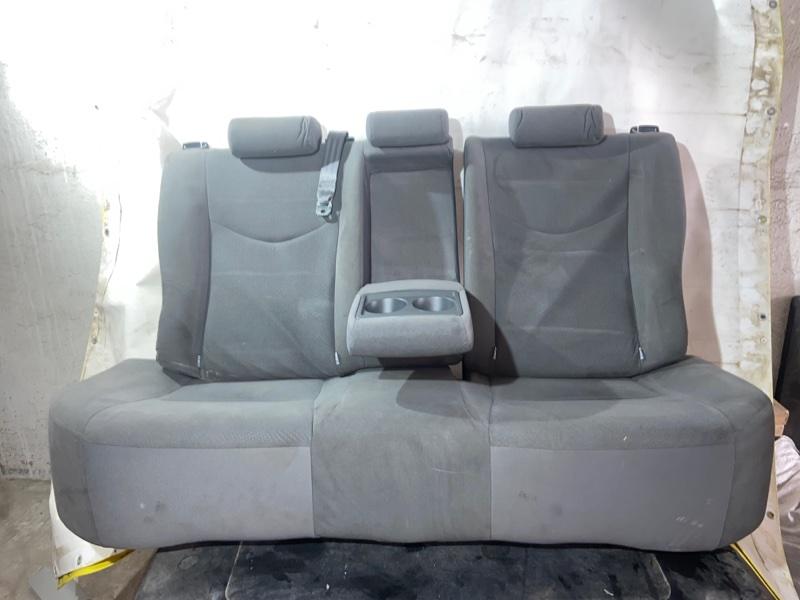 Сиденье Toyota Prius ZVW30 2ZRFXE 2010.07 заднее (б/у)