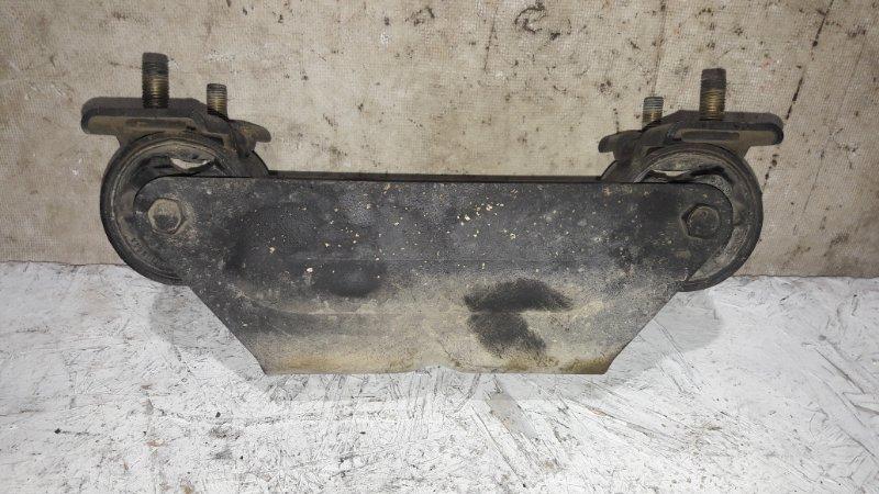 Подушка кпп Mitsubishi Delica PE8W 4M40 1999.11 (б/у)